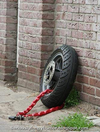 tire-chained-locked-protection