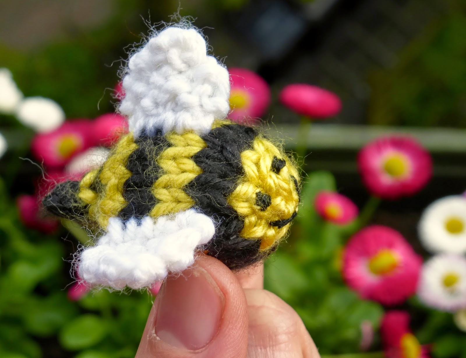 Knit a Bee: Free Knitting Pattern inspired by a Lazy Spring Weekend ...