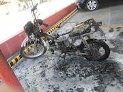 Mulher põe fogo em moto após flagrar marido com amante em Supermercado em Parnaíba