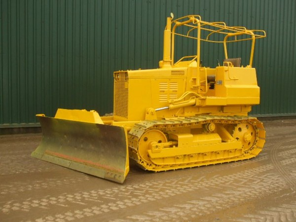 Komatsu D31-D37 Bulldozer Service Manual ~ Service & Spare ... on