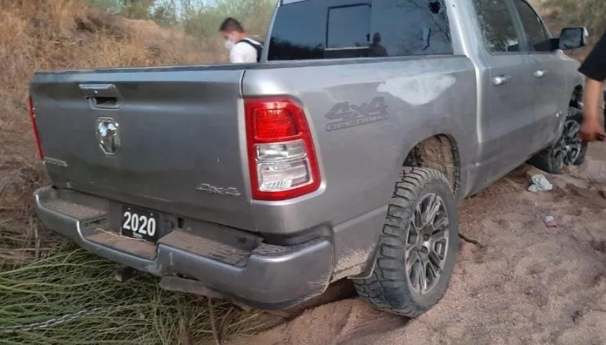 2 muertos, un herido y varios vehículos con las llantas ponchadas de civiles inocentes deja enfrentamiento en Caborca Sonora