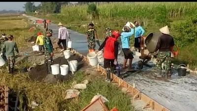 Progres Pembangunan Jalan Di Desa Tamansari mencapai 20%