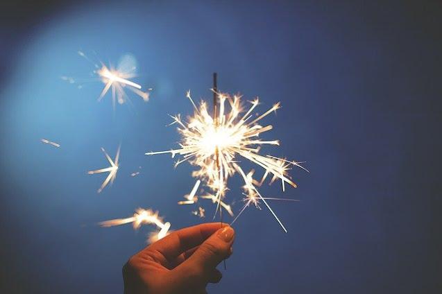 5 Kegiatan Seru di Rumah saat Tahun Baru