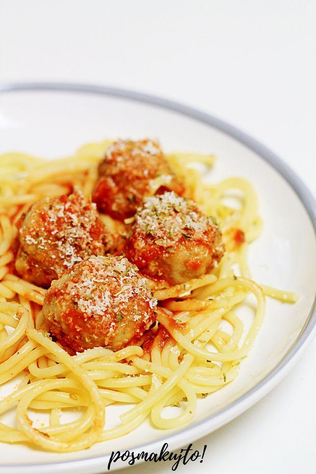 spaghetti-z-pulpecikami-w-sosie-pomidorowym