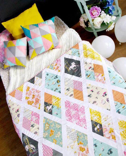 Sparkling Rhombi Quilt Free Pattern