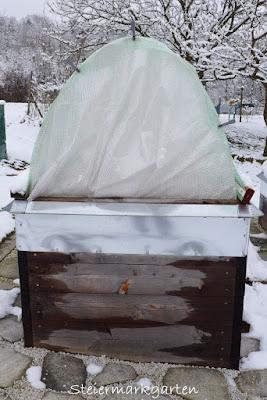 Hochbeet-Überdachung-mit-Folie-Steiermarkgarten