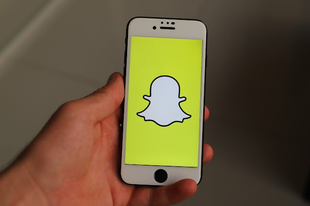 5 Snapchat Hacks That Need To Exist