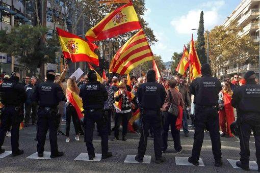 Marchan a favor de una solución a la situación en Cataluña