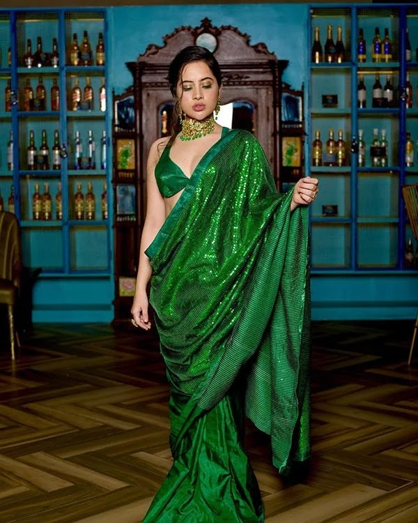Urfi Javed looks stunning hot in this shimmery green saree with skimpy self stitched blouse