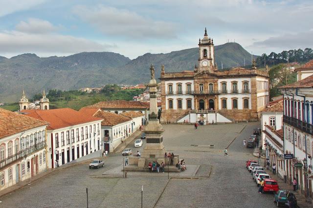 Praça Tiradentes e Museu da Inconfidência, em Ouro Preto