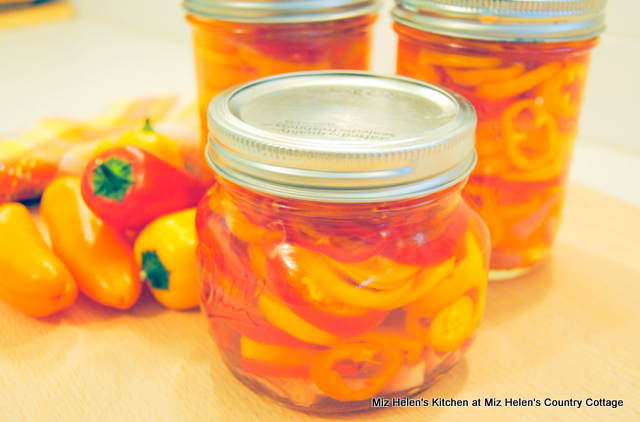 Pickled Peppers at Miz Helen's Country Cottage
