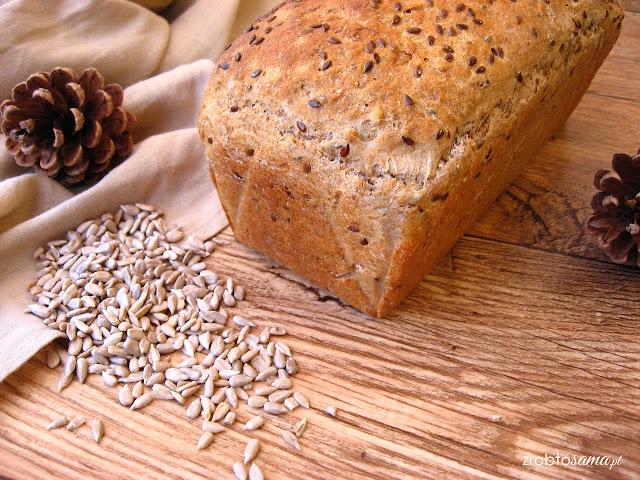 Jak upiec chleb żytnio pszenny z ziarnami i z czarnuszką na drożdżach - przepis.