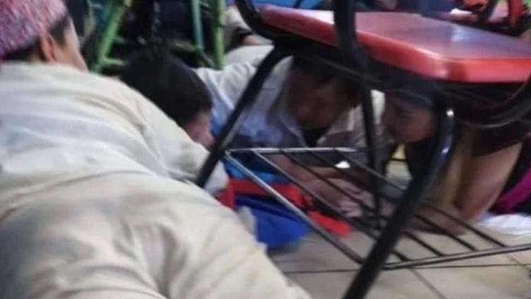 En pleno festival de la Independencia de México, niños de Sonora vivieron momentos de pánico durante una balacera afuera de su primaria