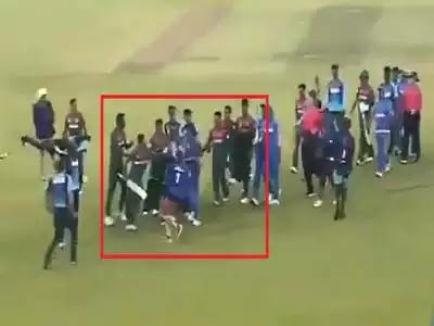 वर्ल्ड कप जीतने के बाद बांग्लादेश के खिलाड़ियों ने भारतीय खिलाड़ियों से बदसलूकी की.......विड़ियो