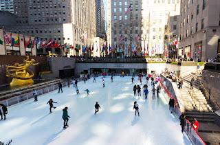 La patinoire devant Rockefeller est mondialement connue
