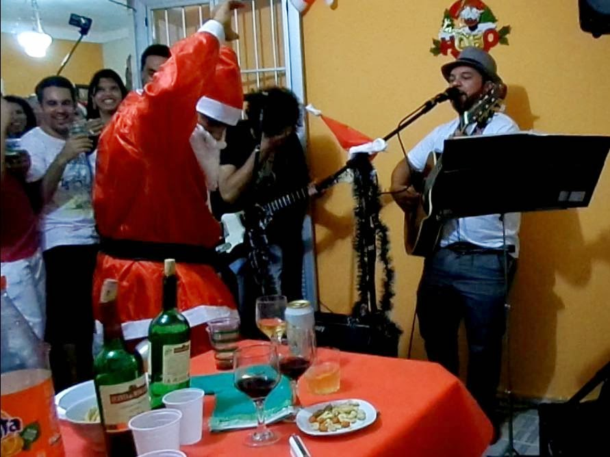 http://www.4shared.com/video/qSIvpJrKce/Entrada_de_Papai_Noel_mpeg4.html