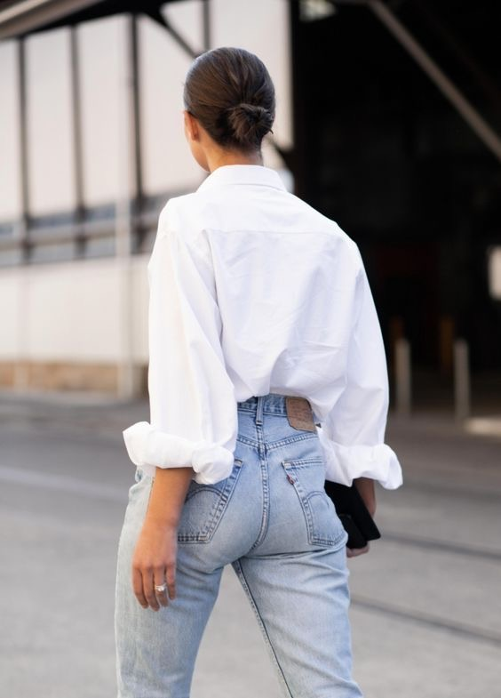 Style File: 5 Pieces that a Woman Should Always Have in Her Wardrobe