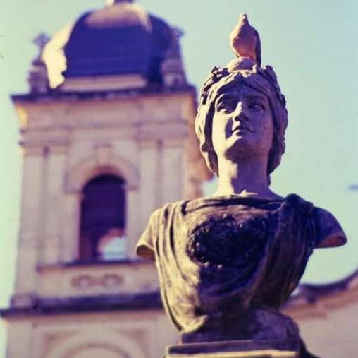 Busto histórico está sendo restaurado pela Prefeitura de  Barretos