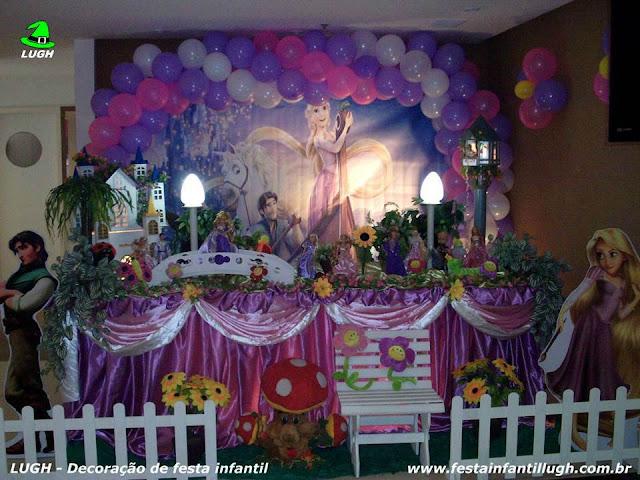 Decoração Os Enrolados - Rapunzel - Festa infantil - Aniversário de meninas - Mesa decorada na Barra RJ.