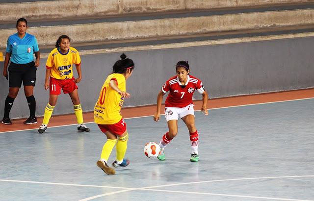 Recoleta se abre paso goleando a Escurra en Futsal Femenino. 7e98f5092a6b6