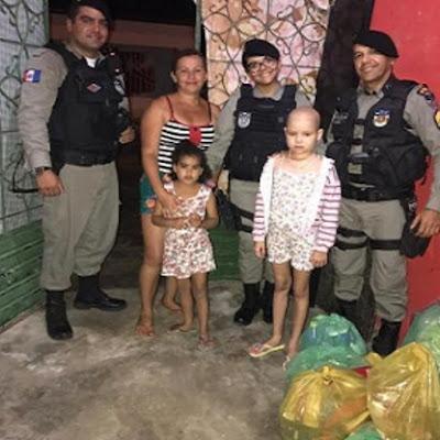 Militares do CISP de Boca da Mata/AL  entregam mantimentos para família de criança com leucemia