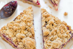 Cranberry Oatmeal Crumble Bars