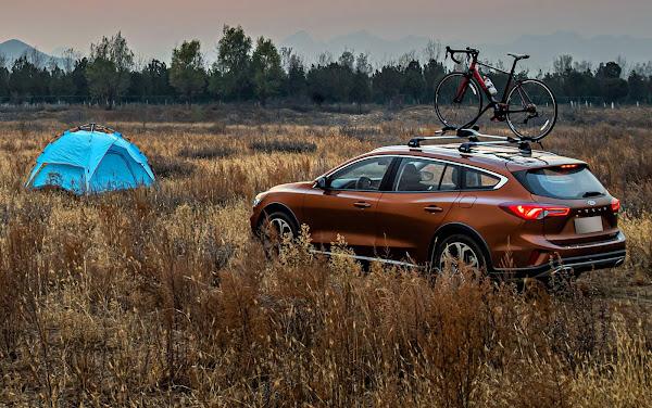 Ford Focus ganha versão aventureira Travel na China