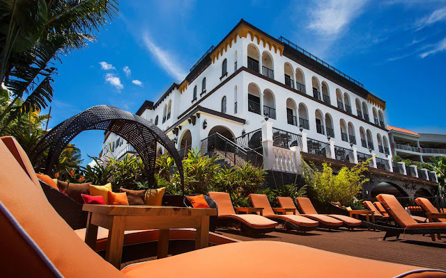 A St. Pete Beach hotel located ideally on Gulf Blvd, Hotel Zamora boasts beautiful waterfront sunsets from our rooftop bar and a boutique experience.