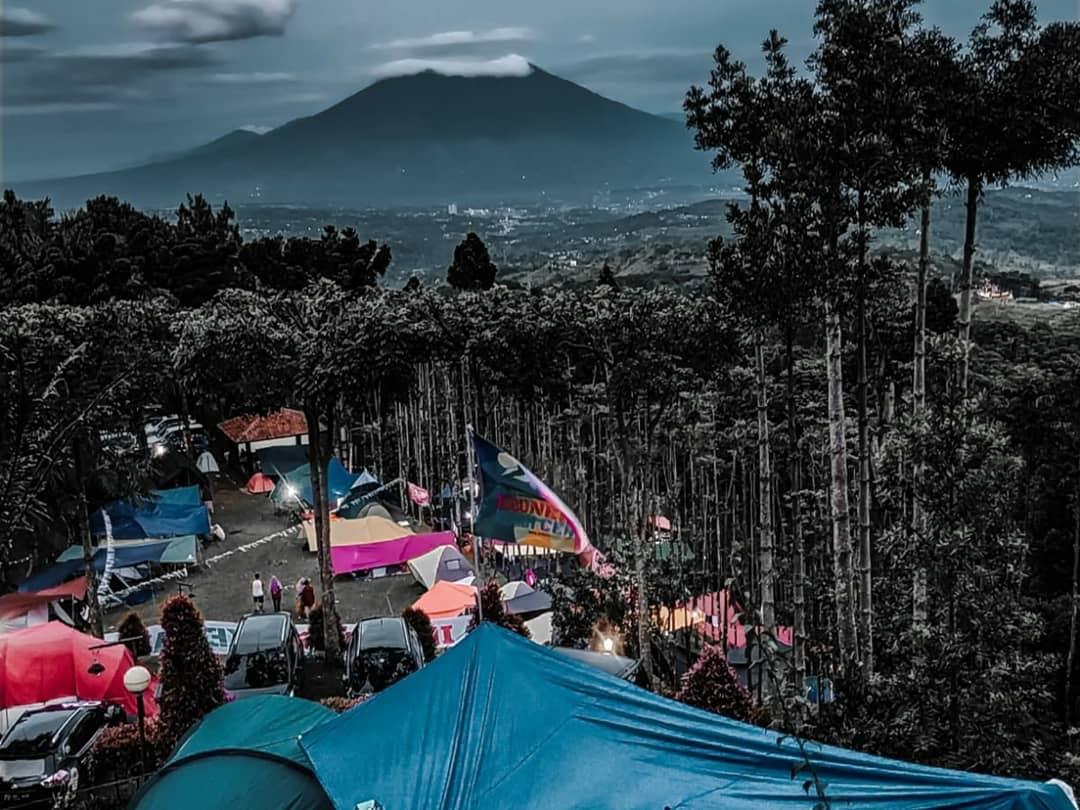 view camping kampung awan