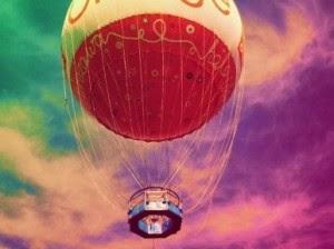 Kuumailmapallo lentää 2