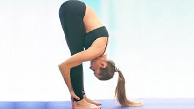 Bài tập yoga gập người