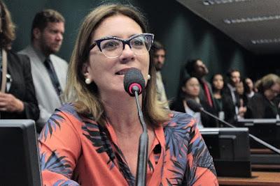 Rosana Valle pede a prefeitos imagens de roteiros para Embratur apoiar turismo