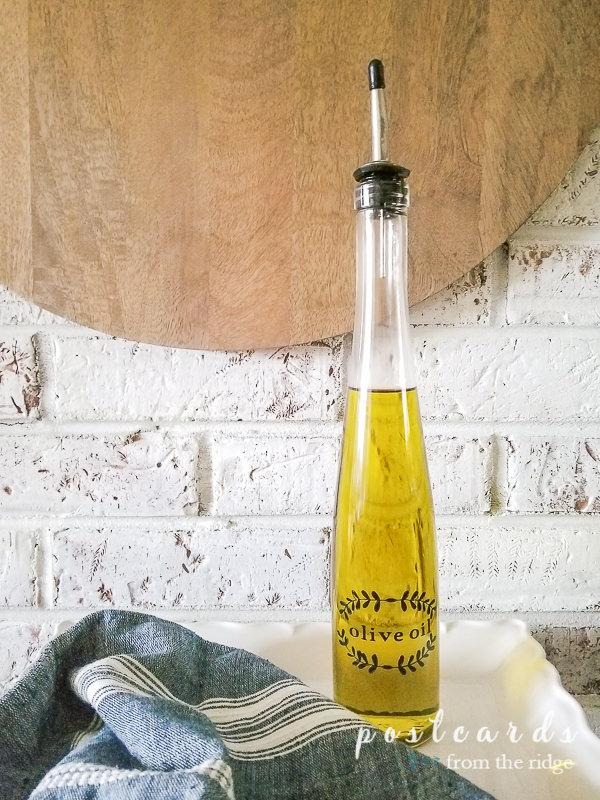 cricut label on olive oil dispenser bottle pourer