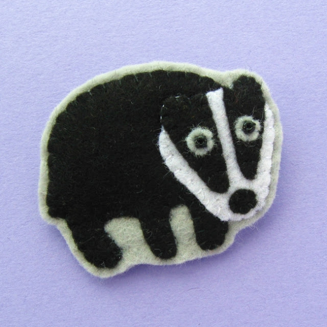 https://www.etsy.com/uk/listing/757621111/new-fox-badger-pdf-patterns-felt-brooch