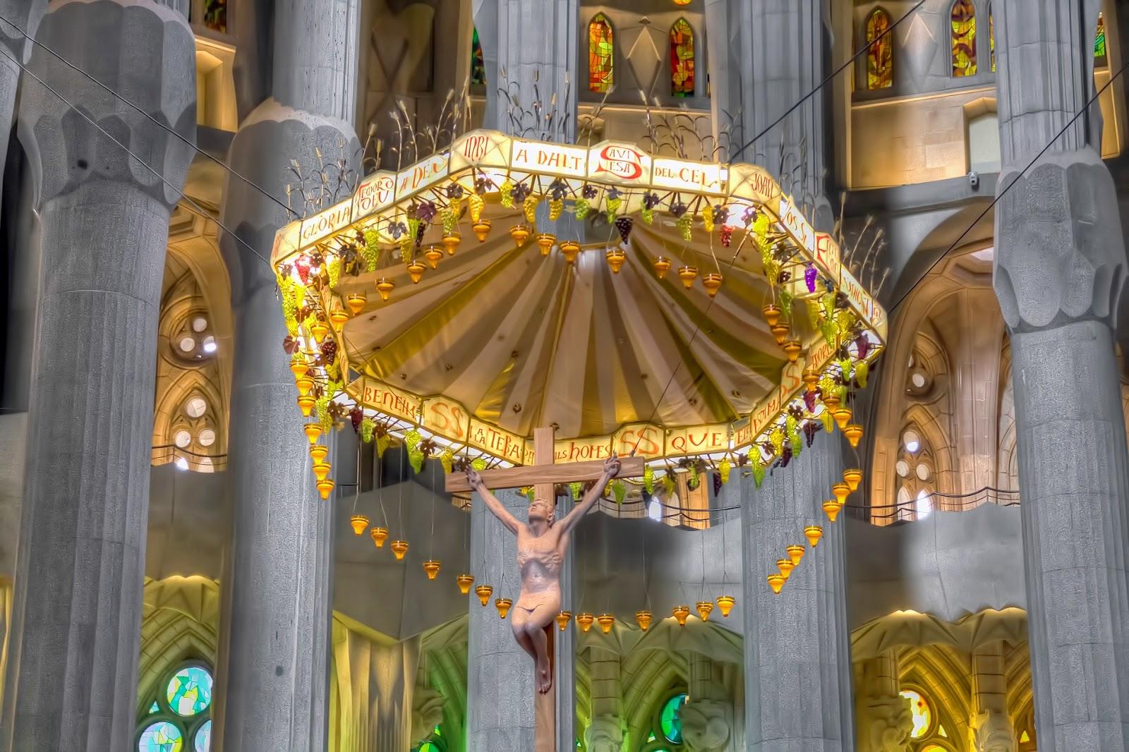 Urbina vinos blog la sagrada familia turismo barcelona for La sagrada familia interior