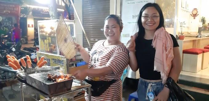 TRAVEL : PENGALAMAN MENJUAL SATE DI HANOI, VIETNAM