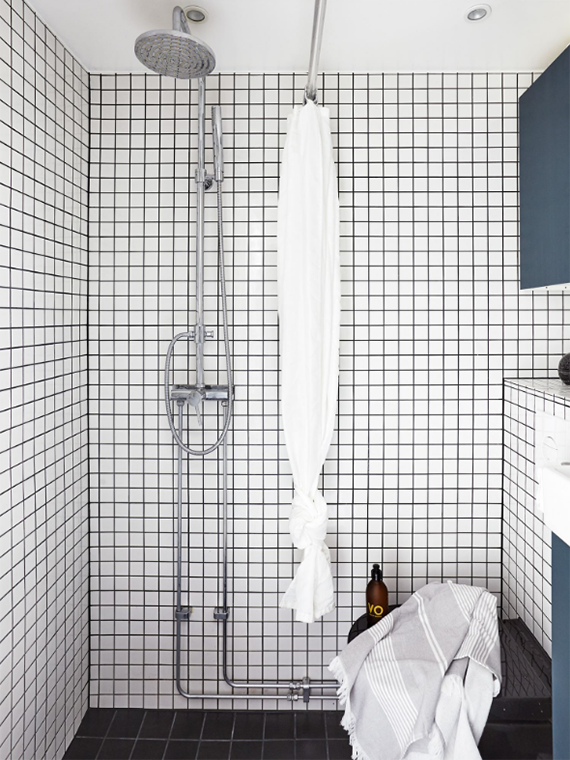 Small bathroom design. Photo via Kvarteret Mäkleri