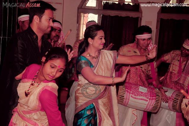 shyamontika-bihu-dance-2013