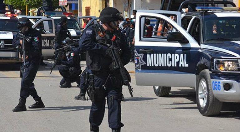 Caen tres policías municipales de Cortazar, Guanajuato por levantar a elementos estatales