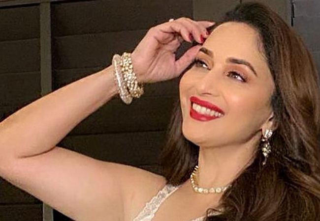 Madhuri Dixit, Madhuri Dixit Donating Funds, Madhuri Dixit Donate For The Fight Against Coronavirus Pandemic, Fight Against Coronavirus Pandemic, Madhuri Dixit Danote, Madhuri Dixit Film, Madhuri Dixit News