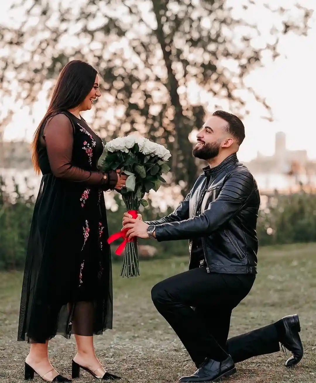 10 Best Couple Photo Ideas