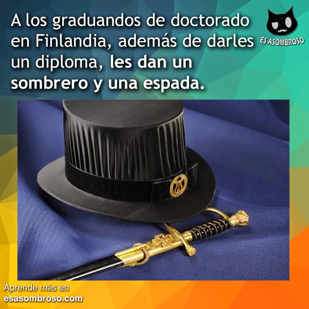 Si te gradúas de doctorado en Finlandia ¡te dan una espada y un sombrero!