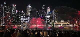 Espectáculo de luces y sonido Spectra. Hotel Marina Bay Sands de Singapur, Singapore.