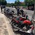 4º DPRE apreende veículos irregulares em cidades oestanas, operação continua.