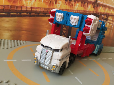 combiner wars ultra magnus alt mode