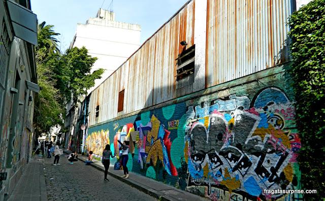 Calle Santa Rosa, rua de grafites em Palermo Soho, Buenos Aires