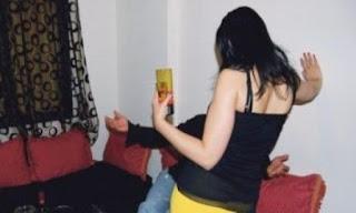 اعتقل زوجة دركي رفقة ممرض داخل شقة سكنية بحي بوجراح بذات المدينة.
