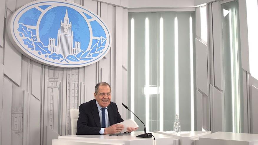 """Λαβρόφ: Η αντιπαράθεση Ρωσίας και ΗΠΑ """"έπιασε πάτο"""""""