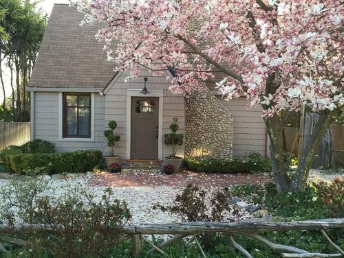 "Rowayton Cottage - Rumah 1 Lantai Ala ""Mide Centrury"""