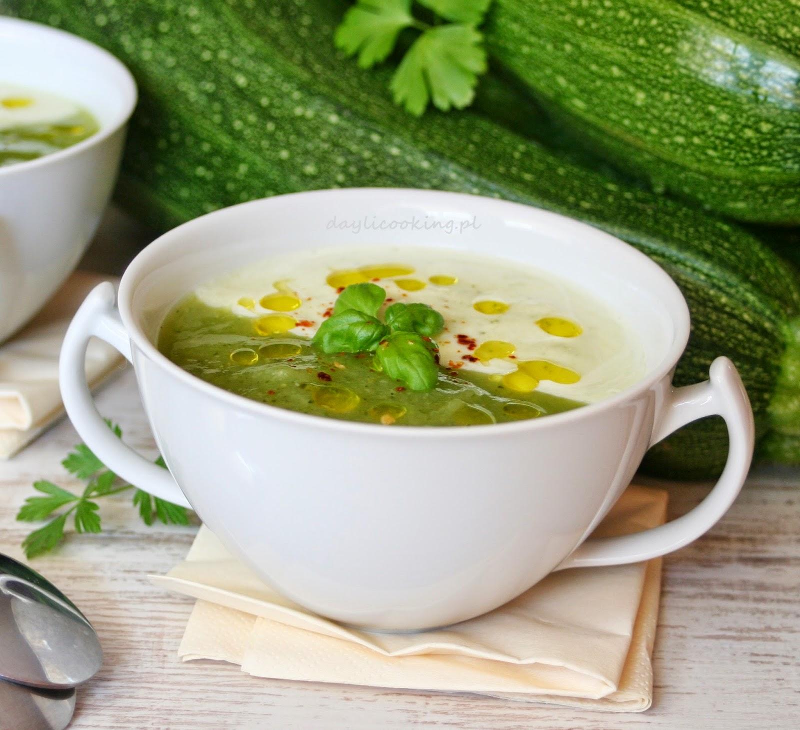 zupa na lato, letnie danie, cukinia na szybko, najlepszy przepis na krem z cukinii, daylicooking